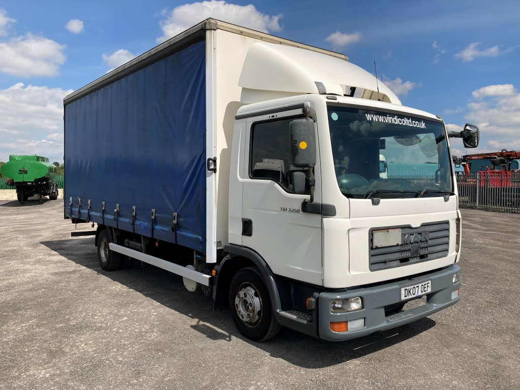 MAN TGL 7.150 Curtainsider
